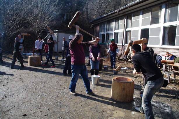 http://www.uenomura.ne.jp/blog/photonews/2009/12/28/IMGP0234_1.jpg